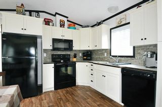 """Photo 4: 146 10221 WILSON Street in Mission: Mission BC Manufactured Home for sale in """"TRIPLE CREEK ESTATES"""" : MLS®# R2599300"""