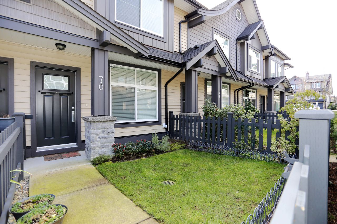 """Main Photo: 70 13819 232 Street in Maple Ridge: Silver Valley Townhouse for sale in """"Brighton at Silver Valley"""" : MLS®# R2243735"""
