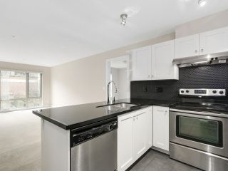 """Photo 6: 225 738 E 29TH Avenue in Vancouver: Fraser VE Condo for sale in """"CENTURY"""" (Vancouver East)  : MLS®# R2146306"""