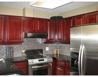 """Photo 6: 34 3960 CANADA Way in Burnaby: Burnaby Hospital Townhouse for sale in """"CASCADE VILLAGE"""" (Burnaby South)  : MLS®# V689935"""