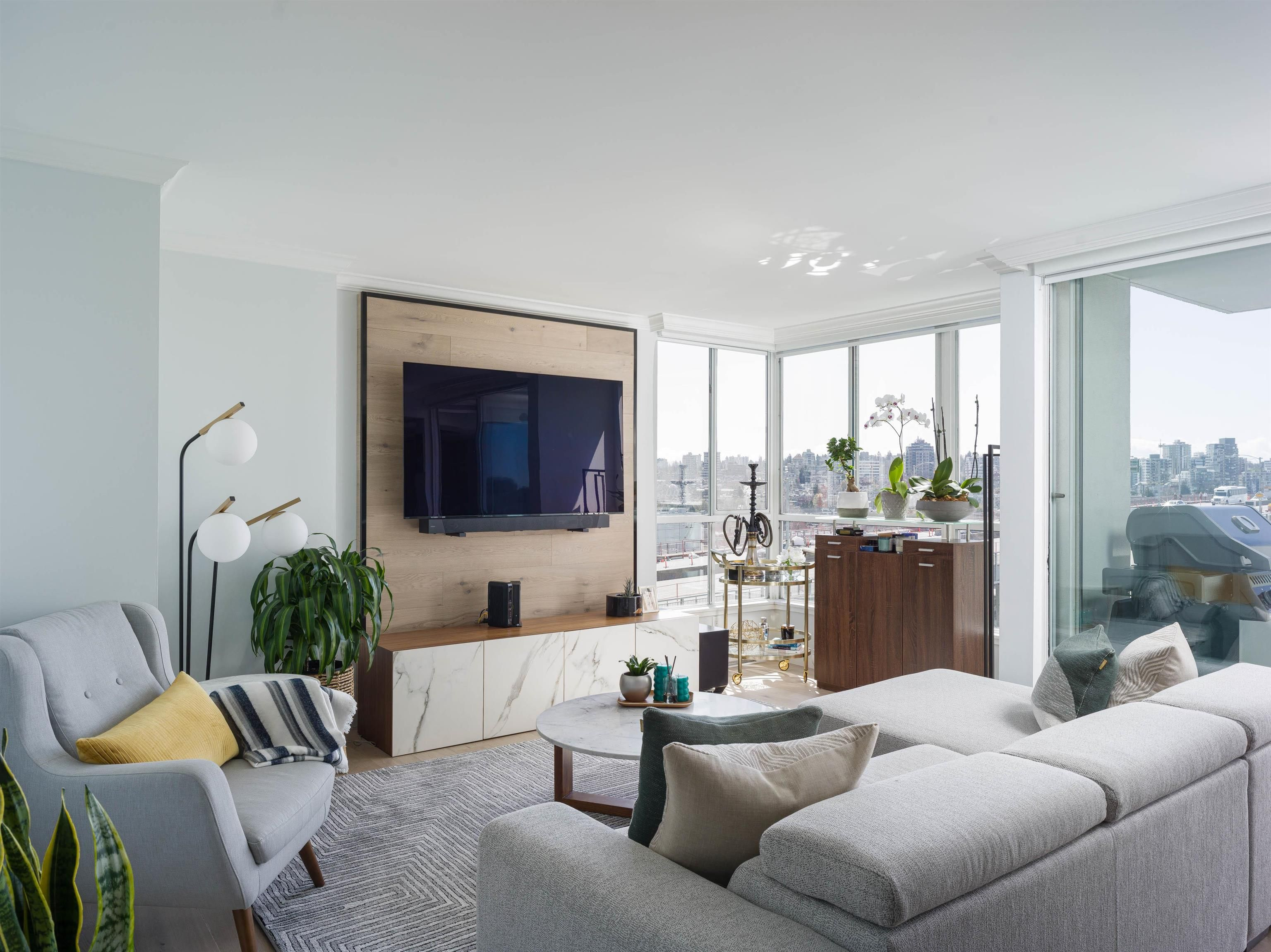 Main Photo: 1507 1500 HOWE STREET in Vancouver: Yaletown Condo for sale (Vancouver West)  : MLS®# R2623287