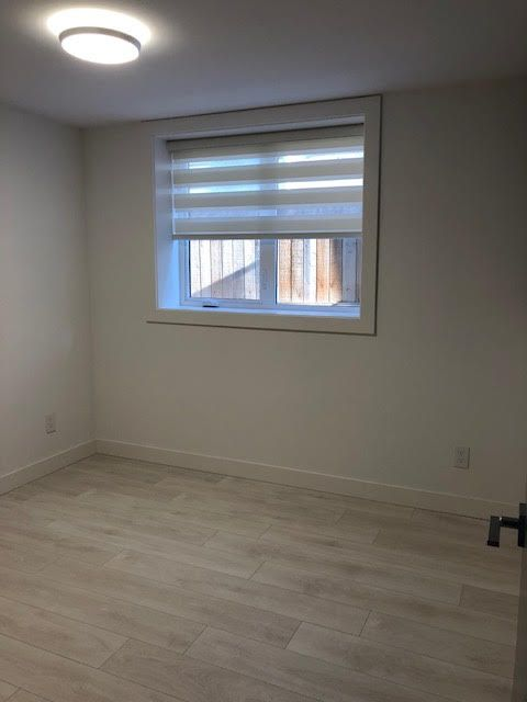 Photo 29: Photos: 14 Ellesmere Road in Burnaby: Capitol Hill House for rent (Burnaby North)