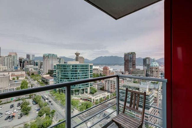 Photo 12: Photos: 2303 602 CITADEL Parade in Vancouver West: Downtown VW Home for sale ()  : MLS®# R2078141