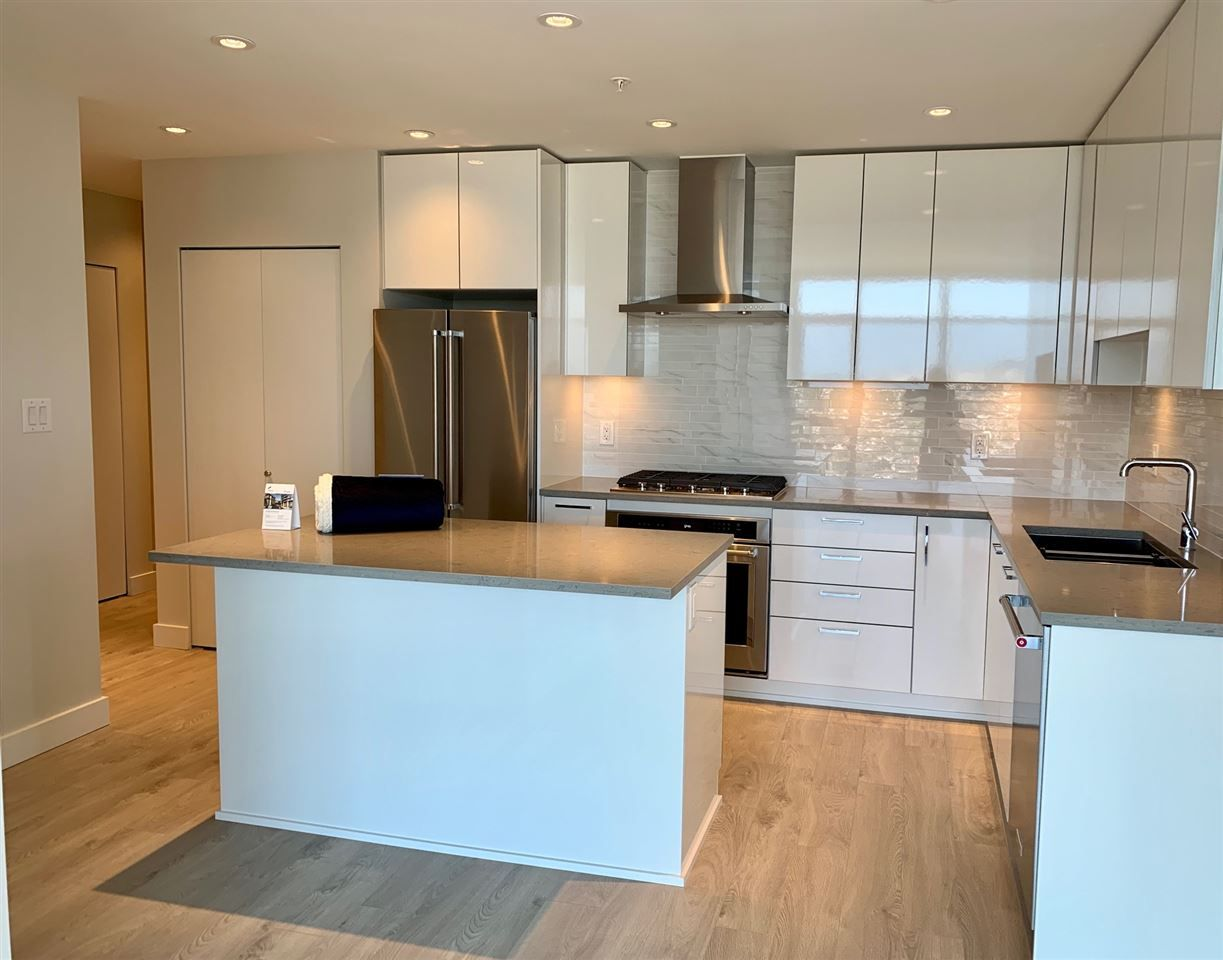"""Photo 19: Photos: 3708 1788 GILMORE Avenue in Burnaby: Brentwood Park Condo for sale in """"Escala"""" (Burnaby North)  : MLS®# R2400127"""