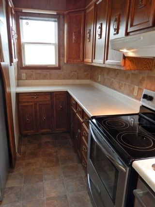 Photo 3: 422 Cabana Place in Winnipeg: House for sale : MLS®# 1816430