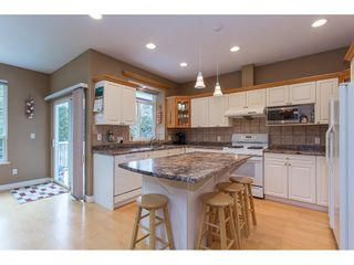 """Photo 3: 19659 JOYNER Place in Pitt Meadows: South Meadows House for sale in """"EMERALD MEADOWS"""" : MLS®# R2134987"""