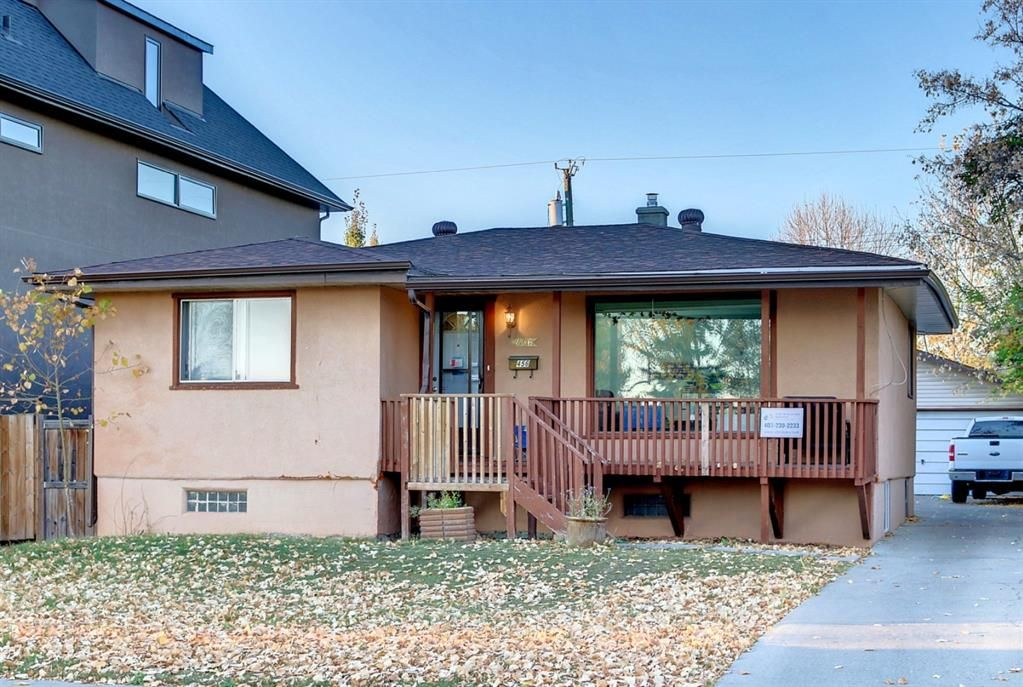 Main Photo: 456 18 Avenue NE in Calgary: Winston Heights/Mountview Detached for sale : MLS®# A1153811