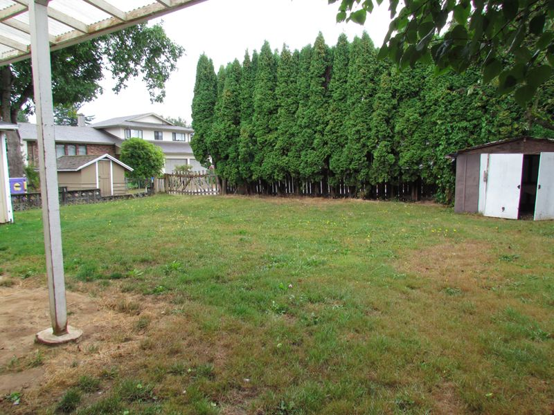 Photo 12: Photos: 2681 Victoria Street in Abbotsford: Clearbrook House for rent