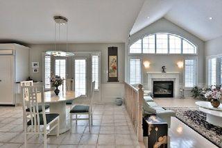 Photo 4: 956 Halsham Court in Mississauga: Clarkson House (2-Storey) for sale : MLS®# W2826365