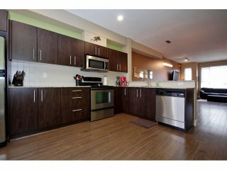 Photo 5: 85 7088 191ST Street in Surrey: Clayton Condo for sale (Cloverdale)  : MLS®# F1302395