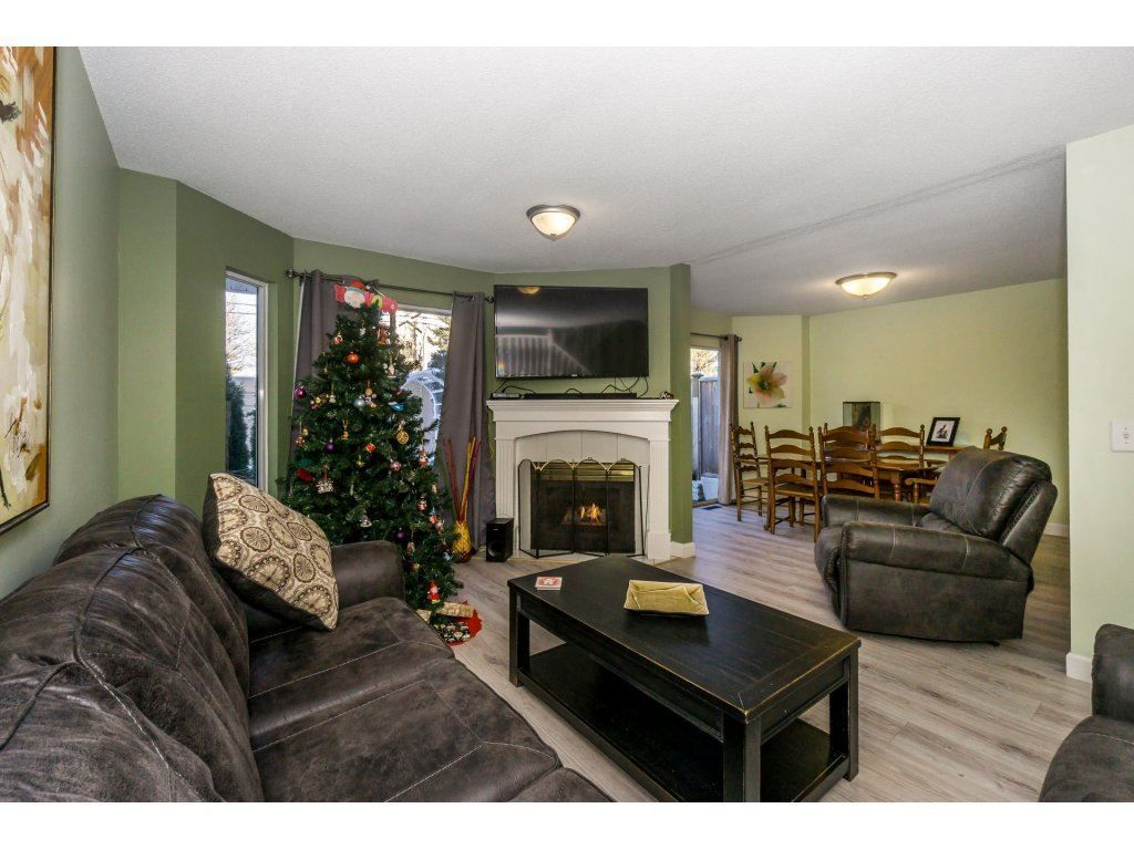 """Photo 13: Photos: 72 21928 48 Avenue in Langley: Murrayville Townhouse for sale in """"Murray Glen"""" : MLS®# R2229327"""