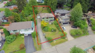 Photo 2: 4740 CEDARCREST Avenue in North Vancouver: Canyon Heights NV House for sale : MLS®# R2129725