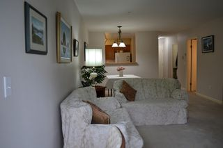 Photo 10: 318 11605 227 Street in Maple Ridge: East Central Condo for sale : MLS®# R2495059