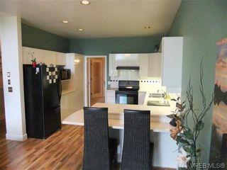 Photo 8: 6 4291 Quadra St in VICTORIA: SE Broadmead Row/Townhouse for sale (Saanich East)  : MLS®# 634035