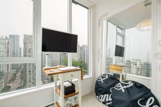"""Photo 9: PH2401 1010 RICHARDS Street in Vancouver: Yaletown Condo for sale in """"THE GALLERY"""" (Vancouver West)  : MLS®# R2498796"""