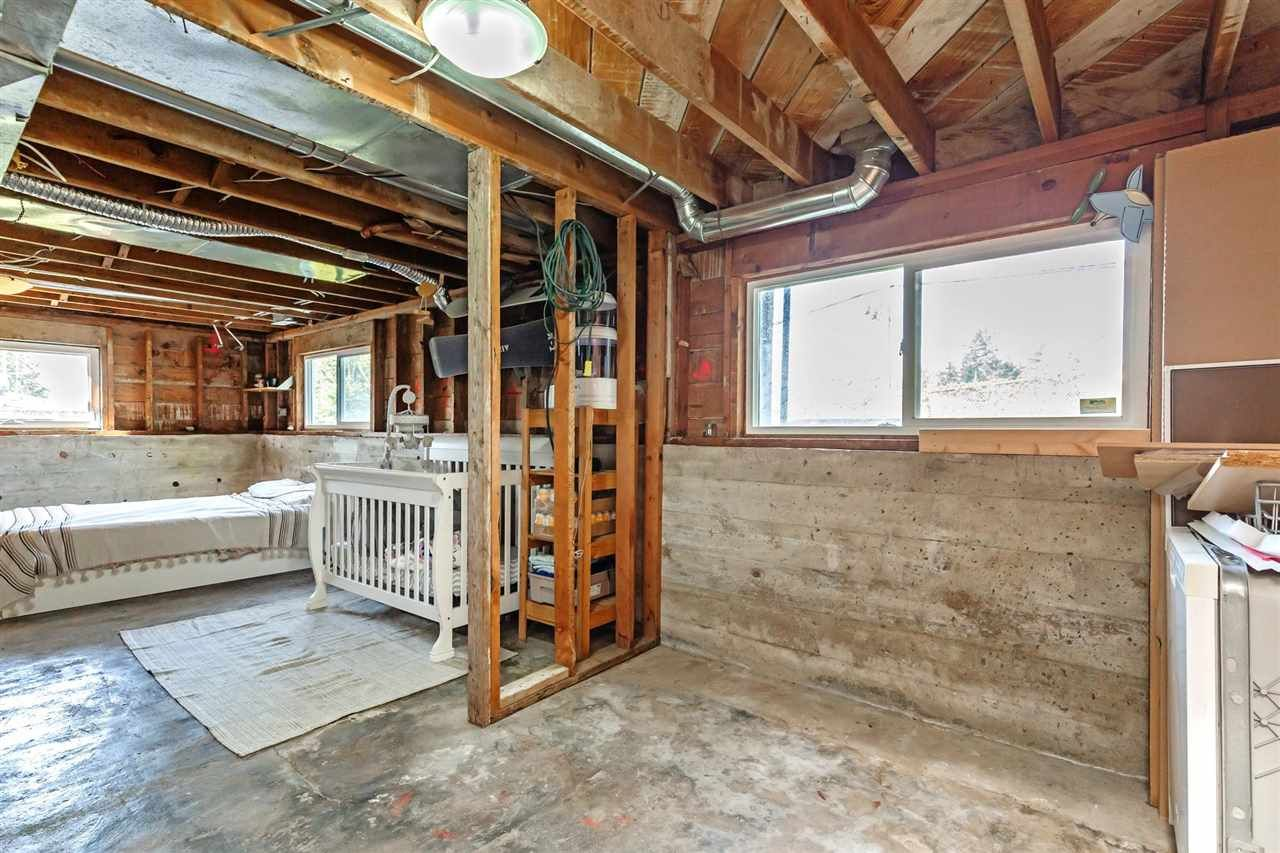 Photo 20: Photos: 8042 CEDAR Street in Mission: Mission BC House for sale : MLS®# R2579765