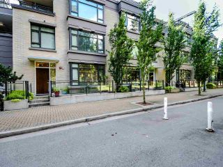 Photo 1: TH4 2789 SHAUGHNESSY Street in Port Coquitlam: Central Pt Coquitlam Townhouse for sale : MLS®# R2491452