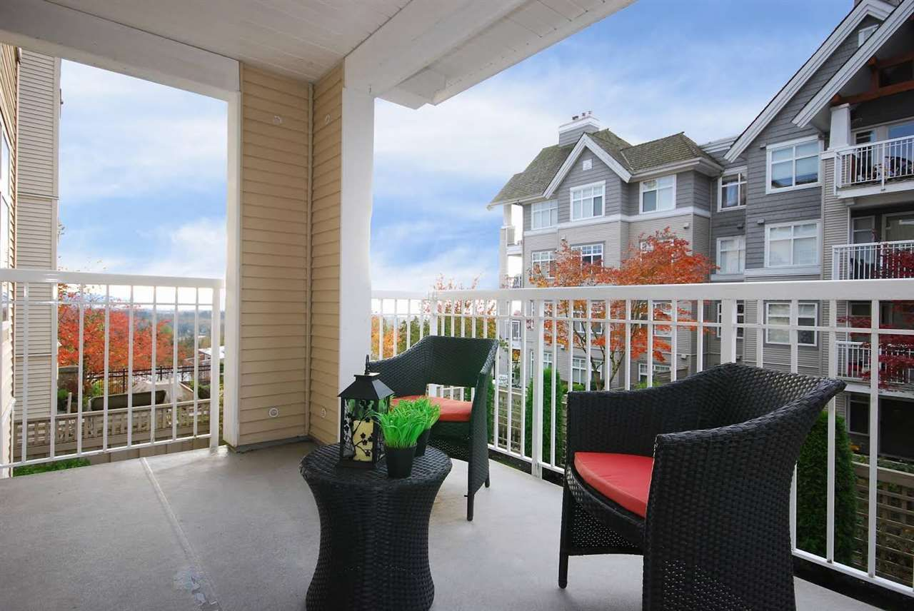 "Photo 6: Photos: 204 1428 PARKWAY Boulevard in Coquitlam: Westwood Plateau Condo for sale in ""Montreaux"" : MLS®# R2132471"