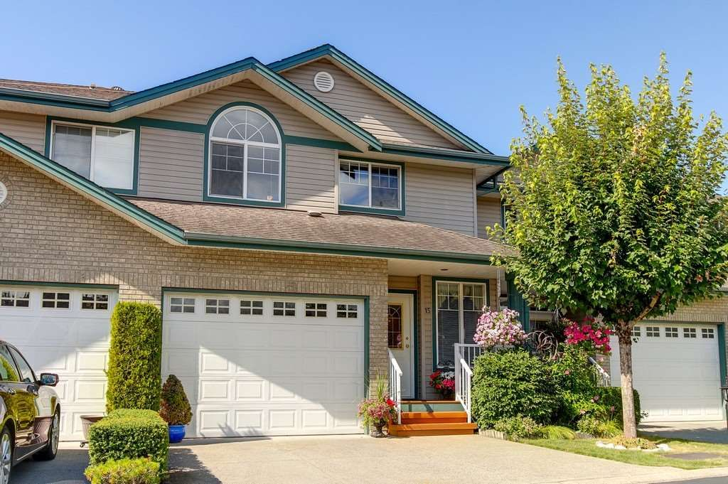 """Main Photo: 15 11358 COTTONWOOD Drive in Maple Ridge: Cottonwood MR Townhouse for sale in """"CARRIAGE LANE"""" : MLS®# R2199858"""