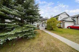 Photo 3: 33 Country Hills Drive NW in Calgary: Country Hills Detached for sale : MLS®# A1140748