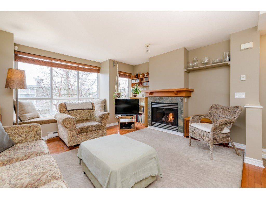 Photo 3: Photos: 6771 VILLAGE GRN in Burnaby: Highgate Townhouse for sale (Burnaby South)  : MLS®# R2439799