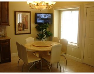 """Photo 6: 35 HOLDOM Avenue in Burnaby: Capitol Hill BN House for sale in """"CAPITOL HILL"""" (Burnaby North)  : MLS®# V756730"""
