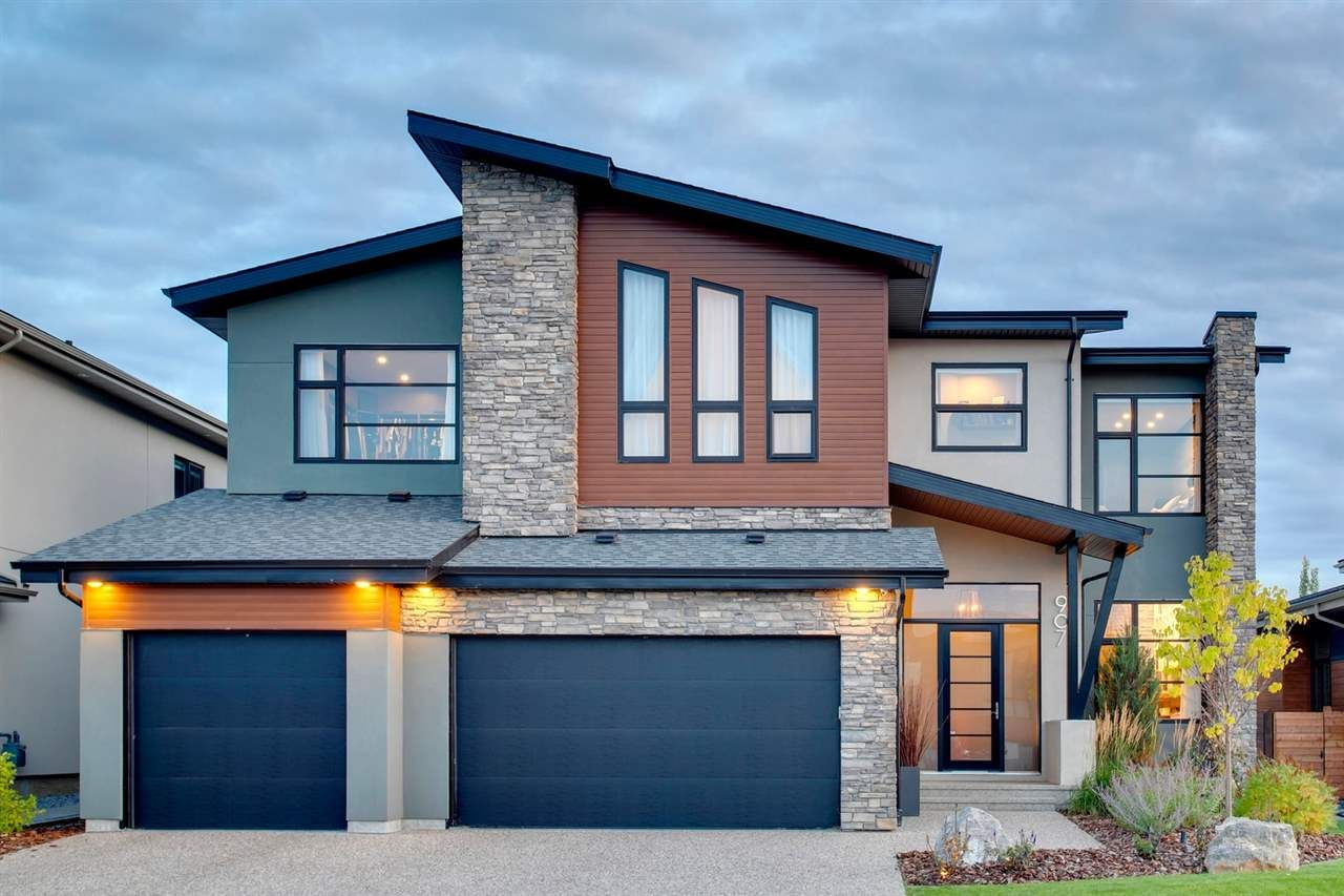 Main Photo: 907 WOOD Place in Edmonton: Zone 56 House for sale : MLS®# E4246651