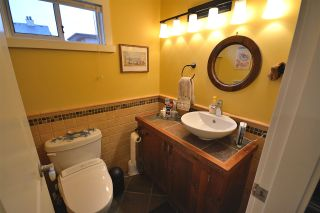 Photo 10: 211 E 4TH STREET in North Vancouver: Lower Lonsdale Townhouse for sale : MLS®# R2024160