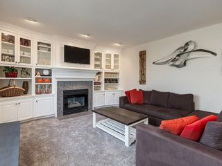 Photo 14: 123 SIGNATURE Terrace SW in Calgary: Signal Hill Detached for sale : MLS®# C4303183