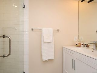 Photo 18: 355 Windermere Pl in : Vi Fairfield East Half Duplex for sale (Victoria)  : MLS®# 874253