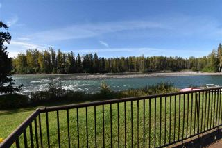 Photo 1: 1462 16 Highway: Telkwa Duplex for sale (Smithers And Area (Zone 54))  : MLS®# R2558586