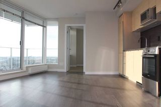 Photo 2:  in VANCOUVER: Condo for rent : MLS®# AR013