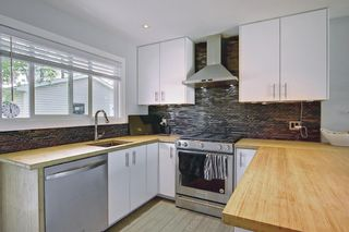 Photo 9: 11 Wellington Place SW in Calgary: Wildwood Detached for sale : MLS®# A1112496