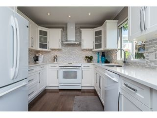 "Photo 5: 15564 VISTA Drive: White Rock House for sale in ""Vista Hills"" (South Surrey White Rock)  : MLS®# R2407067"