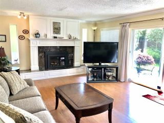 Photo 2: 10391 REYNOLDS Drive in Richmond: Woodwards House for sale : MLS®# R2454448