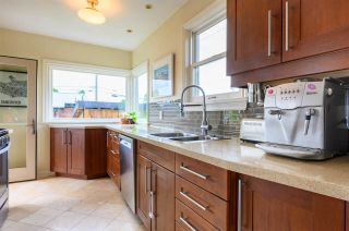 Photo 12: 3041 E 2ND AVENUE in Vancouver: Renfrew VE House for sale (Vancouver East)  : MLS®# R2456098