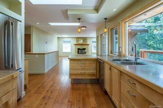 Photo 3: 797 Lazo Rd in : CV Comox Peninsula House for sale (Comox Valley)  : MLS®# 869860