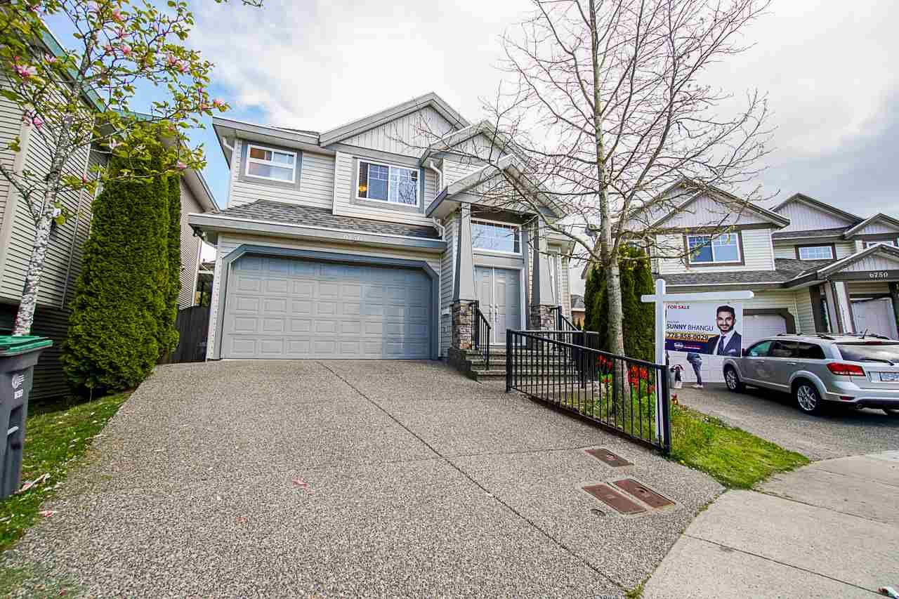 Main Photo: 6756 146B Street in Surrey: East Newton House for sale : MLS®# R2466098
