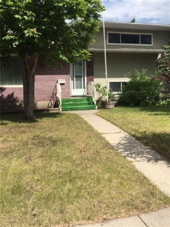 Main Photo: 130 selkirk Drive SW in Calgary: Southwood Detached for sale : MLS®# A1021150