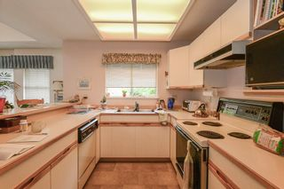 """Photo 9: 3934 LINWOOD Street in Burnaby: Burnaby Hospital Townhouse for sale in """"CASCADE VILLAGE"""" (Burnaby South)  : MLS®# R2489487"""