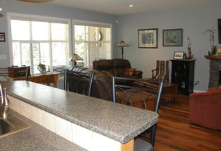 Photo 3: 21211 KETTLE VALLEY Place in Hope: Hope Kawkawa Lake House for sale : MLS®# R2604665