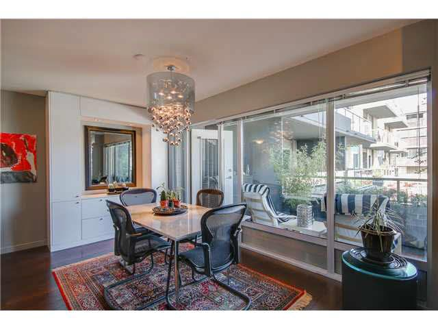 """Photo 3: Photos: 110 1288 CHESTERFIELD Avenue in North Vancouver: Central Lonsdale Condo for sale in """"ALINA"""" : MLS®# V1065611"""