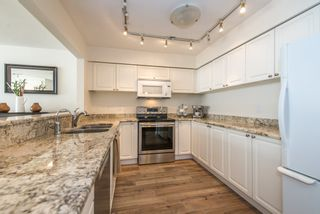 """Photo 6: 402 2288 W 12TH Avenue in Vancouver: Kitsilano Condo for sale in """"CONNAUGHT POINT"""" (Vancouver West)  : MLS®# R2051681"""