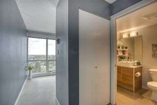"""Photo 8: 2109 9981 WHALLEY Boulevard in Surrey: Whalley Condo for sale in """"PARK PLACE 2"""" (North Surrey)  : MLS®# R2437673"""
