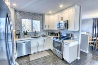 Photo 4: 42 Hays Drive SW in Calgary: Haysboro Detached for sale : MLS®# A1095067