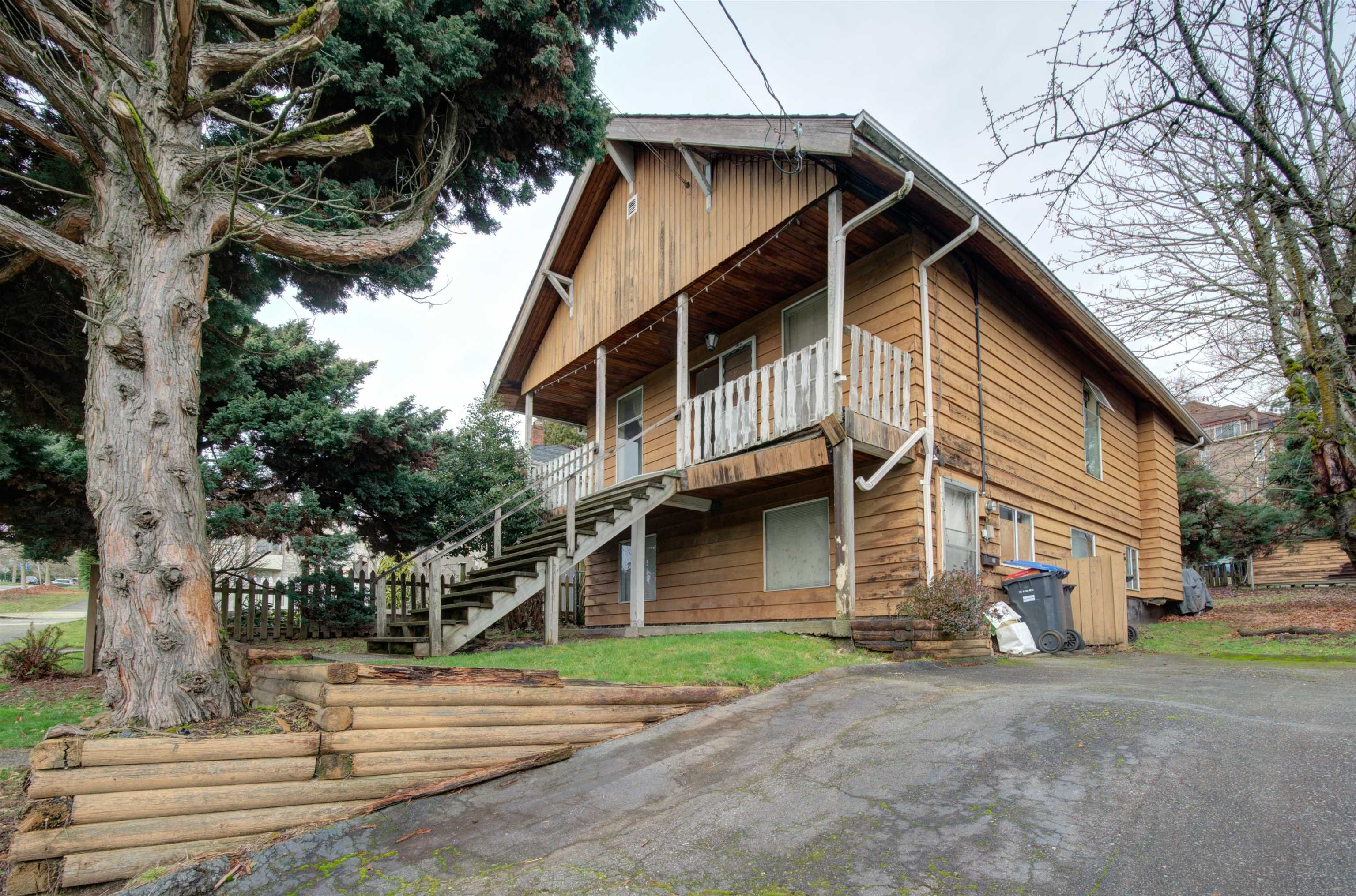 Main Photo: 525 THIRTEENTH Street in New Westminster: Uptown NW House for sale : MLS®# R2619736