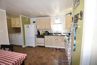"""Photo 4: 23 95 LAIDLAW Road in Smithers: Smithers - Rural Manufactured Home for sale in """"Mountain View Mobile Home Park"""" (Smithers And Area (Zone 54))  : MLS®# R2591986"""