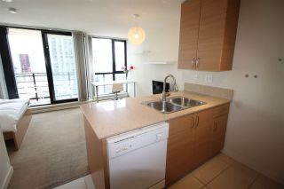 """Photo 16: 1303 909 MAINLAND Street in Vancouver: Yaletown Condo for sale in """"YALETOWN PARK 2"""" (Vancouver West)  : MLS®# R2561164"""