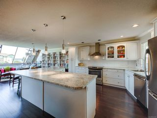 Photo 12: 210 2740 S Island Hwy in : CR Willow Point Condo for sale (Campbell River)  : MLS®# 857467