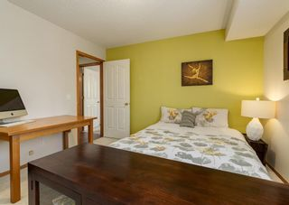 Photo 15: 136 MT ABERDEEN Manor SE in Calgary: McKenzie Lake Row/Townhouse for sale : MLS®# A1109069